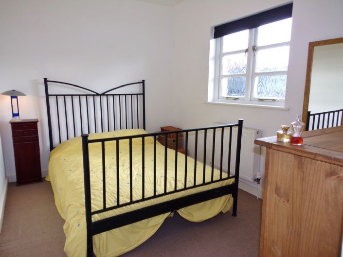 Flat, 1 bedroom Property for sale in Penzance, Cornwall for £110,000, view photo 9.
