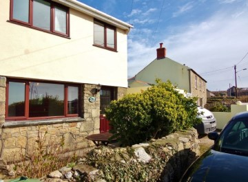 House sold in St Just: Heathcliffe, Levant Road, Trewellard, Penzance, Cornwall, £170,000
