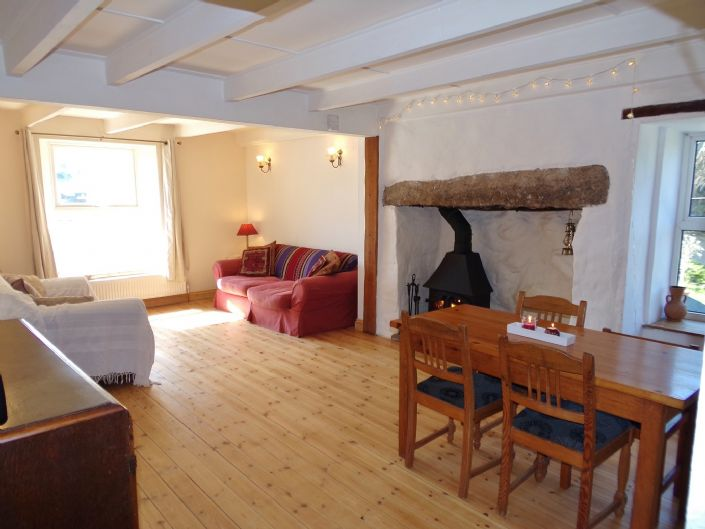 House, 4 bedroom Property for sale in Hayle, Cornwall for £280,000, view photo 3.