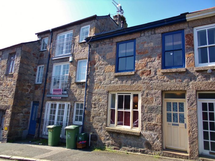 Terraced, House, 3 bedroom Property for sale in Penzance, Cornwall for £160,000, view photo 1.