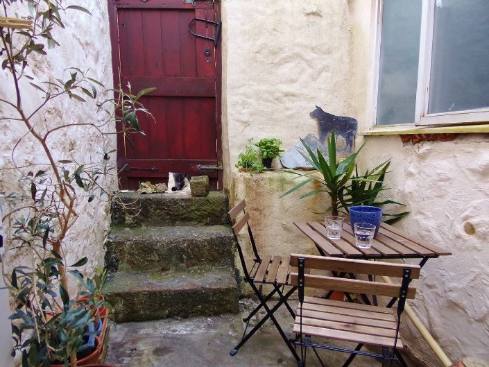 Terraced, House, 3 bedroom Property for sale in Penzance, Cornwall for £160,000, view photo 2.