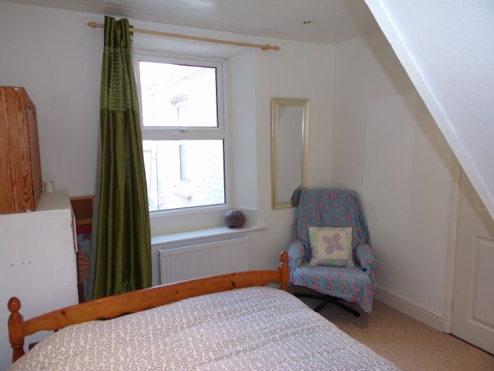 Terraced, House, 3 bedroom Property for sale in Penzance, Cornwall for £160,000, view photo 14.