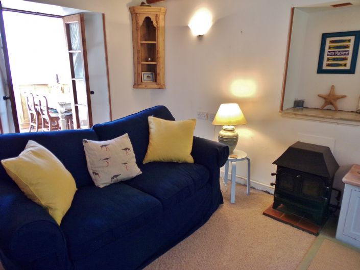 Terraced, House, 1 bedroom Property for sale in Penzance, Cornwall for £140,000, view photo 4.