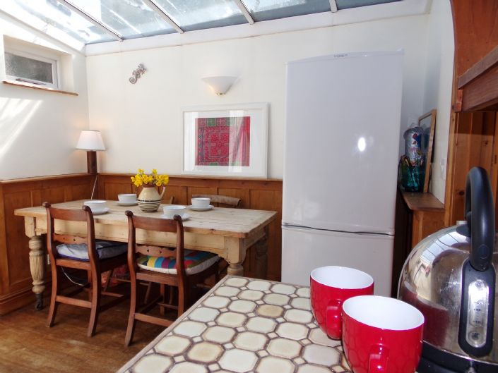 House, 1 bedroom Property for sale in Penzance, Cornwall for £140,000, view photo 6.
