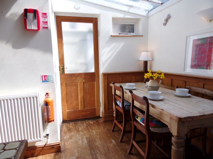 House, 1 bedroom Property for sale in Penzance, Cornwall for £140,000, view photo 7.