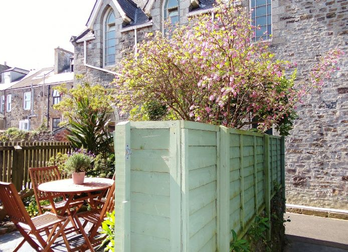 Terraced, House, 1 bedroom Property for sale in Penzance, Cornwall for £140,000, view photo 15.