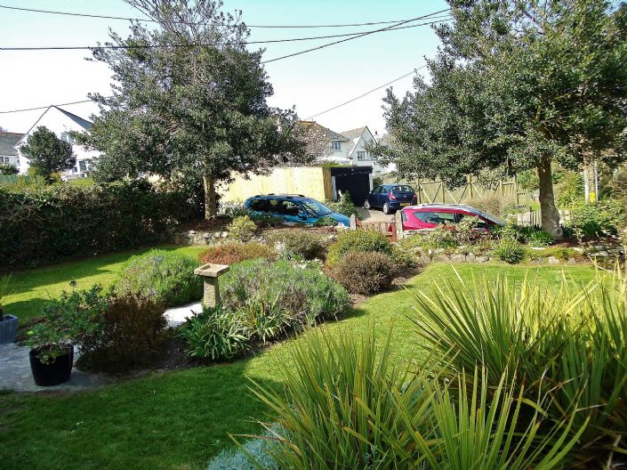 House, 3 bedroom Property for sale in Penzance, Cornwall for £350,000, view photo 3.