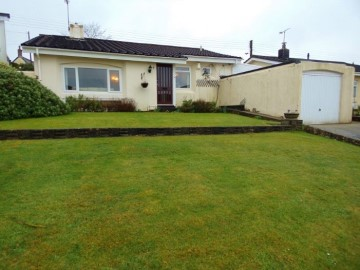 Bungalow sold in Hayle: 3 Mellanear Close, Hayle, Cornwall, £220,000