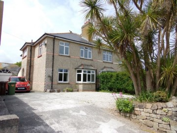 House sold in Penzance: 21 Rosparvah Gardens, Heamoor, Penzance, Cornwall.  TR18 3EA, £300,000