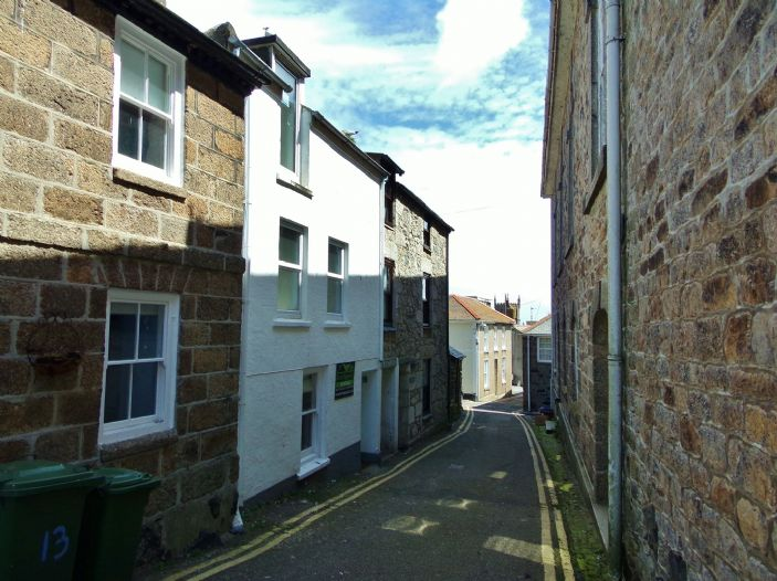 House, 4 bedroom Property for sale in St Ives, Cornwall for £300,000, view photo 1.