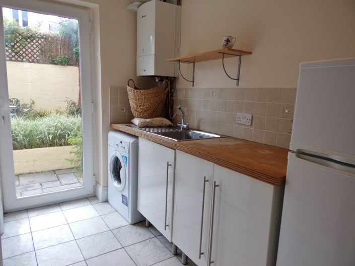 Semi Detached House, House, 3 bedroom Property for sale in Redruth, Cornwall for £200,000, view photo 8.