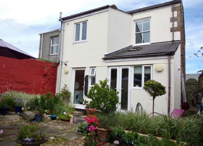 Semi Detached House, House, 3 bedroom Property for sale in Redruth, Cornwall for £200,000, view photo 16.