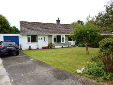 Bungalow sold in Penzance: 1 Bloom Fields, Tredarvah Road, Penzance, Cornwall.  TR18 4JY, £270,000