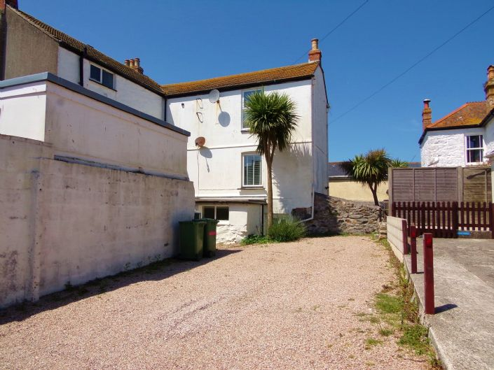 House, 5 bedroom Property for sale in Penzance, Cornwall for £500,000, view photo 16.