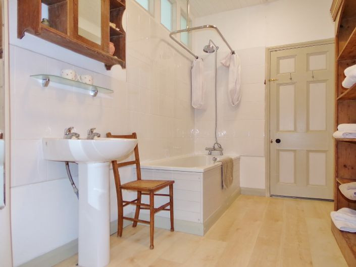 House, 2 bedroom Property for sale in Penzance, Cornwall for £130,000, view photo 8.