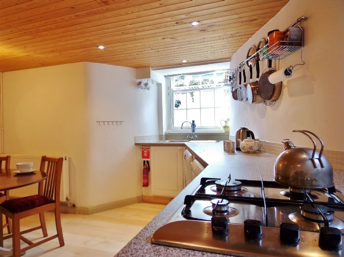 House, 2 bedroom Property for sale in Penzance, Cornwall for £130,000, view photo 11.