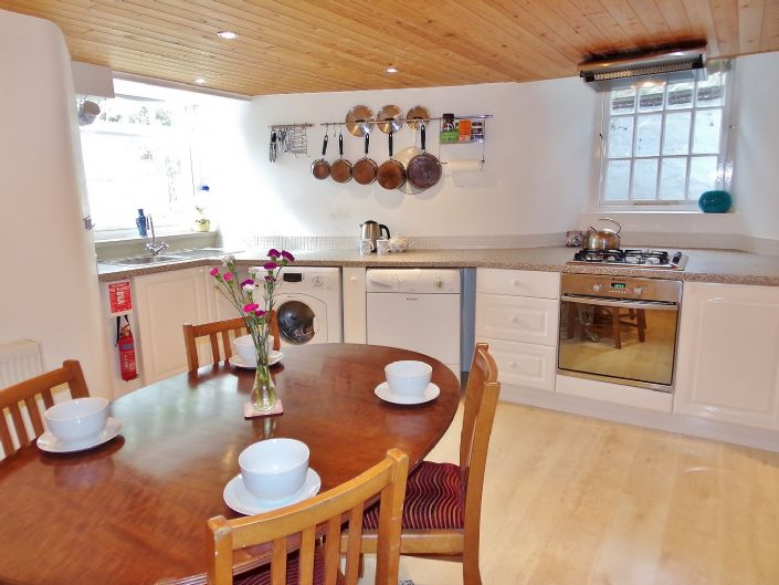 House, 2 bedroom Property for sale in Penzance, Cornwall for £130,000, view photo 12.