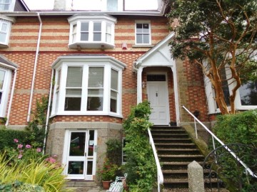 Flat for sale in Penzance: Flat 2, The Limes, 10 Alexandra Road, Penzance, Cornwall.  TR18 4LZ, £190,000