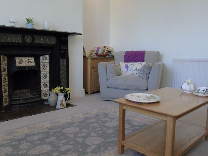 Flat, 2 bedroom Property for sale in Penzance, Cornwall for £190,000, view photo 7.