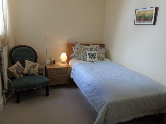 Flat, 2 bedroom Property for sale in Penzance, Cornwall for £190,000, view photo 16.