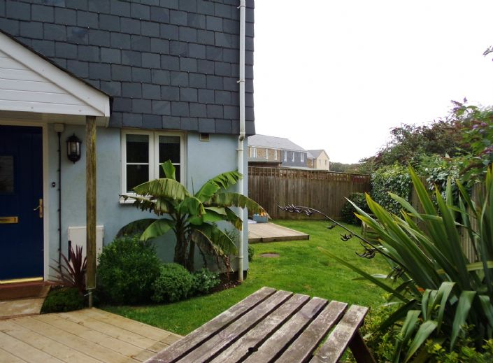 House, 3 bedroom Property for sale in Hayle, Cornwall for £170,000, view photo 1.