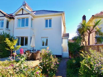 House sold in Penzance: 5 Peverell Road, Penzance, Cornwall.  TR18 2AT, £270,000