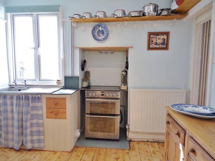 House, 3 bedroom Property for sale in Penzance, Cornwall for £270,000, view photo 7.