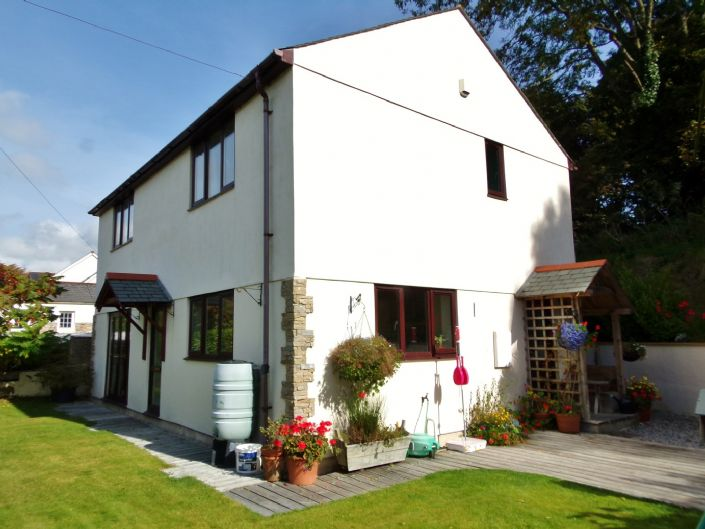 House, 3 bedroom Property for sale in Helston, Cornwall for £340,000, view photo 1.