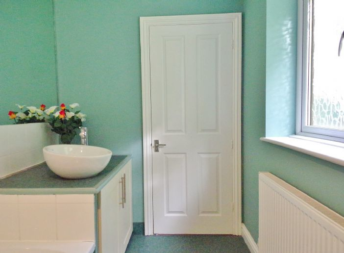 House, 3 bedroom Property for sale in Helston, Cornwall for £340,000, view photo 13.