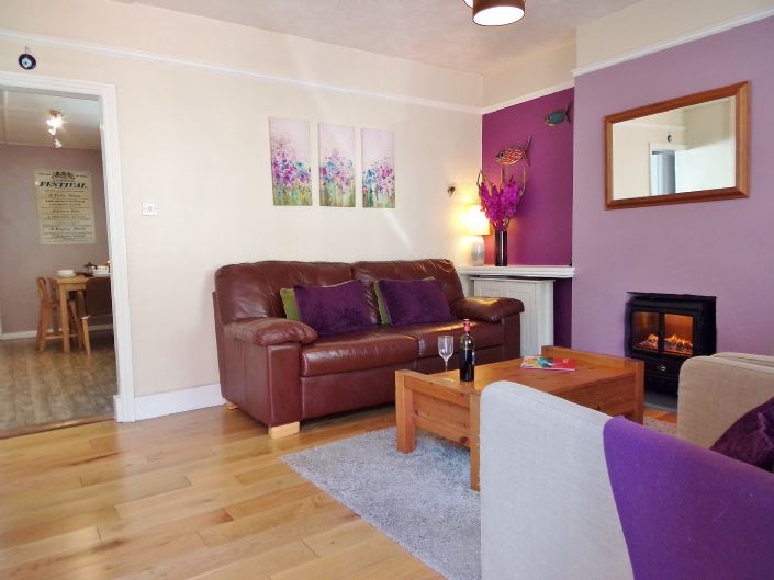 Terraced, House, 2 bedroom Property for sale in Penzance, Cornwall for £150,000, view photo 2.