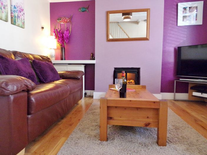 Terraced, House, 2 bedroom Property for sale in Penzance, Cornwall for £150,000, view photo 3.