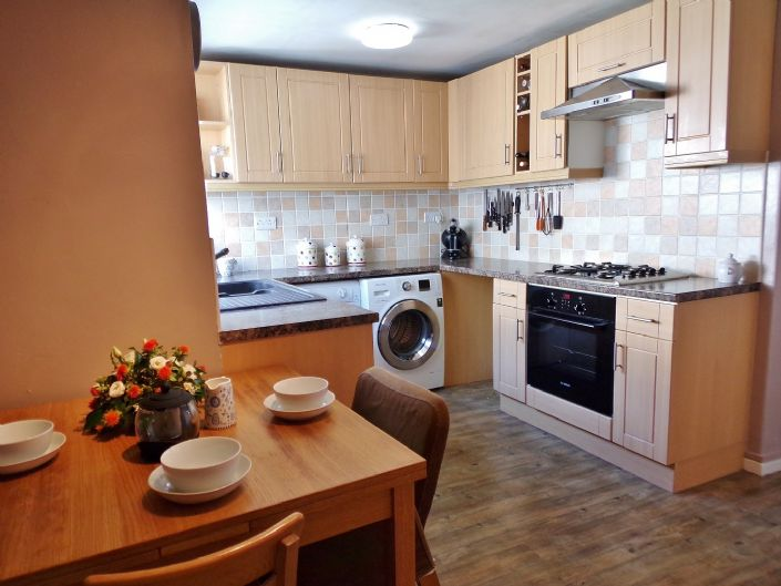 Terraced, House, 2 bedroom Property for sale in Penzance, Cornwall for £150,000, view photo 6.