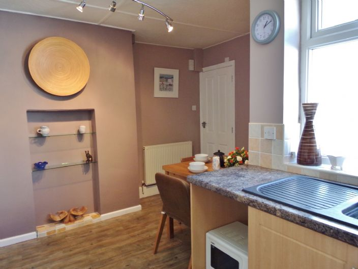 Terraced, House, 2 bedroom Property for sale in Penzance, Cornwall for £150,000, view photo 8.
