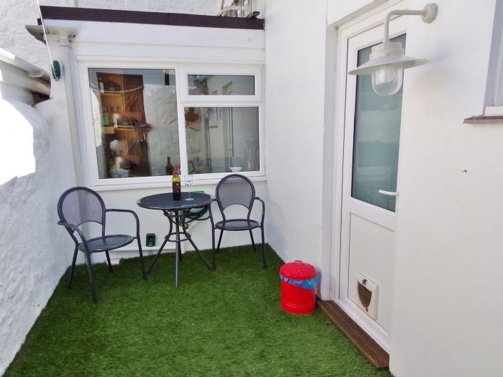 Terraced, House, 2 bedroom Property for sale in Penzance, Cornwall for £150,000, view photo 15.