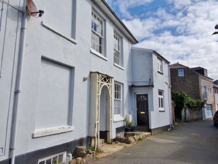 Flat, 1 bedroom Property for sale in Penzance, Cornwall for £130,000, view photo 1.