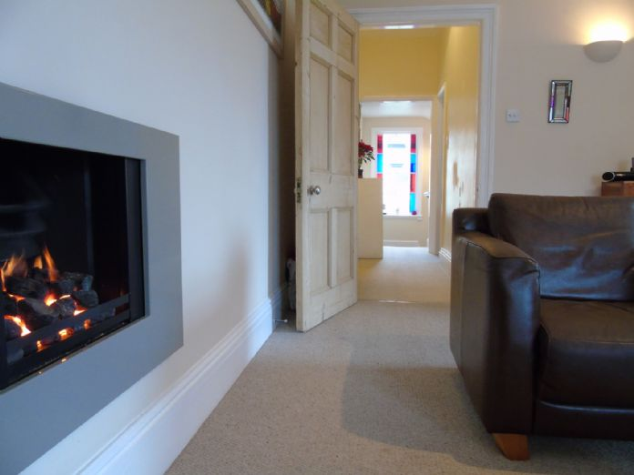 Flat, 1 bedroom Property for sale in Penzance, Cornwall for £130,000, view photo 5.