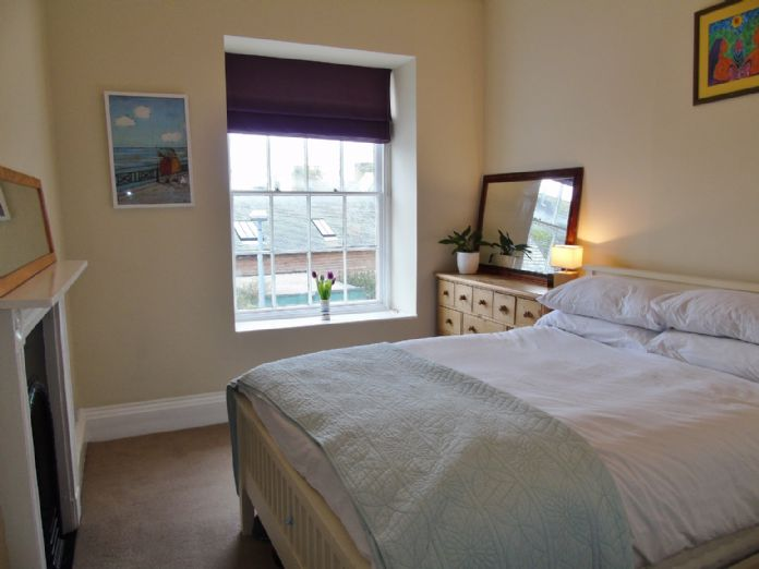 Flat, 1 bedroom Property for sale in Penzance, Cornwall for £130,000, view photo 8.