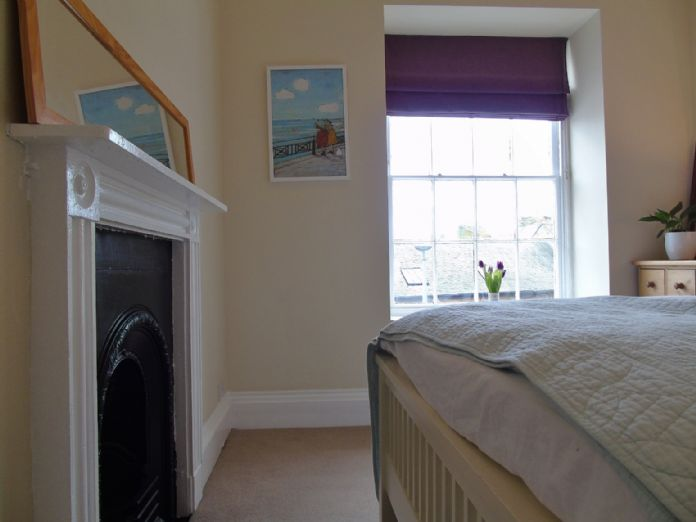 Flat, 1 bedroom Property for sale in Penzance, Cornwall for £130,000, view photo 9.