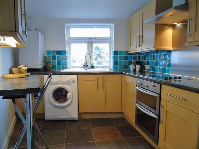 Flat, 1 bedroom Property for sale in Penzance, Cornwall for £130,000, view photo 11.