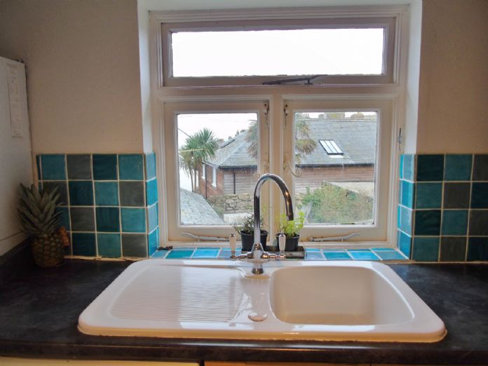 Flat, 1 bedroom Property for sale in Penzance, Cornwall for £130,000, view photo 12.