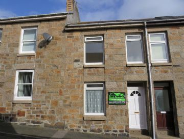 House for sale in Penzance: 3 St Francis Street, Penzance, Cornwall.  TR18 2DP, £140,000