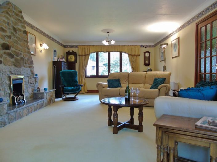 Bungalow, 3 bedroom Property for sale in Hayle, Cornwall for £475,000, view photo 3.