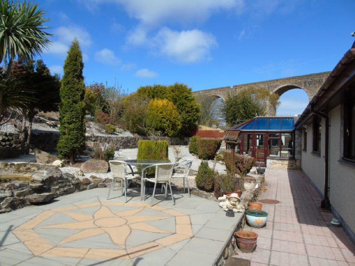 Bungalow, 3 bedroom Property for sale in Hayle, Cornwall for £475,000, view photo 16.