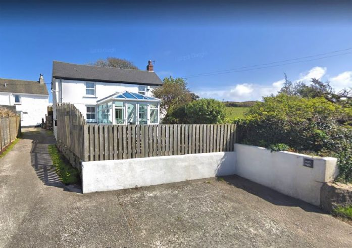 House, Holiday Home, 3 bedroom Property for sale in St Ives, Cornwall for £260,000, view photo 1.