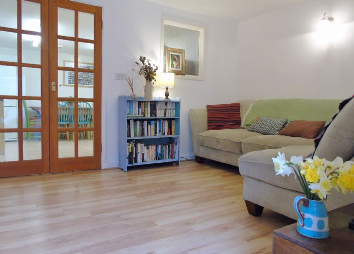 Flat, 2 bedroom Property for sale in Penzance, Cornwall for £145,000, view photo 1.