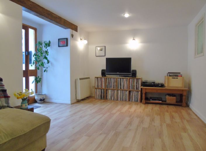 Flat, 2 bedroom Property for sale in Penzance, Cornwall for £145,000, view photo 4.
