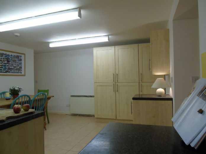 Flat, 2 bedroom Property for sale in Penzance, Cornwall for £145,000, view photo 9.