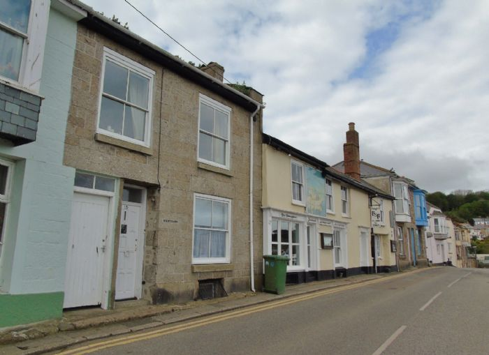 Terraced, House, Holiday Home, 3 bedroom Property for sale in Penzance, Cornwall for £265,000, view photo 3.