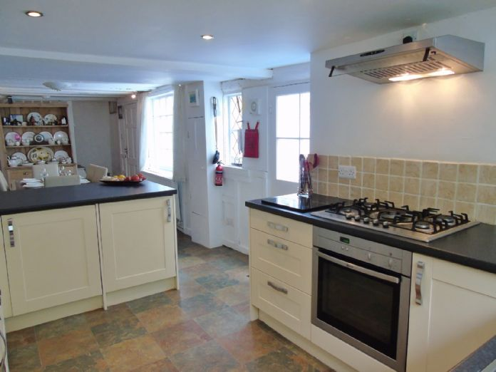 Terraced, House, Holiday Home, 3 bedroom Property for sale in Penzance, Cornwall for £265,000, view photo 11.