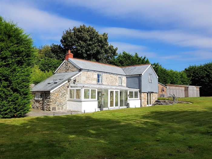 Detached House, 4 bedroom Property for sale in Goldsithney, Cornwall for £595,000, view photo 1.